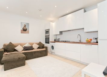 Thumbnail Room to rent in Pyrland Road, Newington Green, London, Greater London
