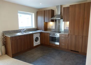Thumbnail 1 bed flat to rent in Thornton Side, Redhill