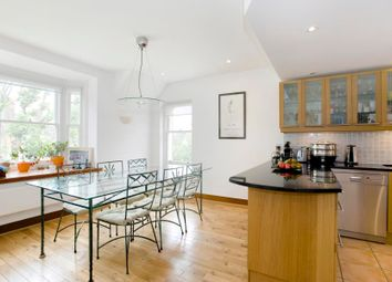 Thumbnail 3 bedroom flat to rent in Ferncroft Avenue, London