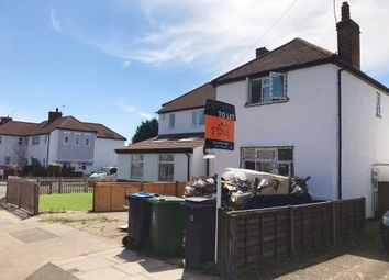 3 bed semi-detached house to rent in Amberwood Rise, New Malden KT3