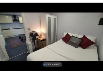 Thumbnail 1 bed flat to rent in Wellesley Road, Ilford