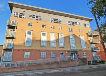Thumbnail 2 bedroom flat for sale in Station Road, Elstree, Borehamwood