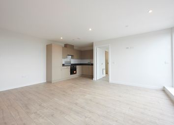 2 bed flat to rent in Summer Leys Lane, Nottingham NG2