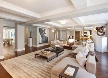 Thumbnail 6 bed flat to rent in Sloane Street, London