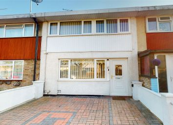 Woolmer Green, Lee Chapel North, Basildon, Essex SS15. 3 bed detached house