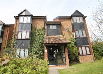 Thumbnail Studio to rent in Hawthorne Crescent, West Drayton, Middlesex