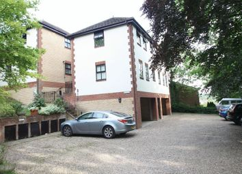 Thumbnail 2 bed flat to rent in Beechfield Road, Hemel Hempstead