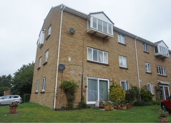 Thumbnail 2 bed flat to rent in Fallowfield, Sittingbourne