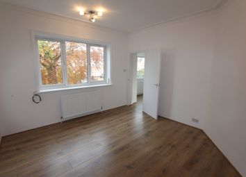 Thumbnail 3 bed flat to rent in Bridge Lane, Golders Green, London