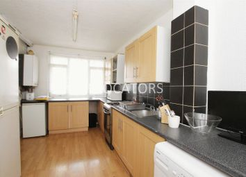 Thumbnail 5 bed flat to rent in Roman Road, London