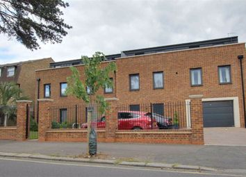 Thumbnail 2 bed flat for sale in Wellington House, Wellington Road, Enfield