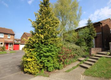 Thumbnail 1 bed flat to rent in Wentworth, Thame