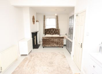 Thumbnail Room to rent in Wells House Road, Acton