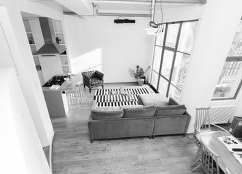 Thumbnail 1 bed flat to rent in Hopton Street, London