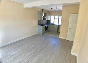 Thumbnail 2 bedroom flat to rent in Hastings Street, Luton