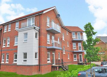 Thumbnail 2 bed flat to rent in Raven Drive, Maidenhead
