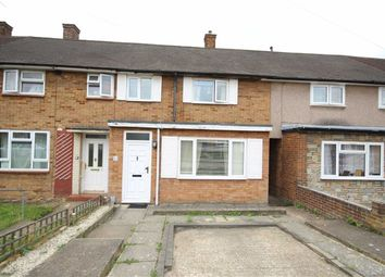 3 bed property for sale in Penzance Road, Romford RM3