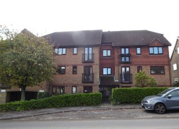 Thumbnail 2 bed flat to rent in Eridge Road, Crowborough
