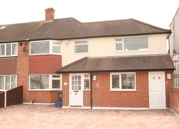 4 bed semi-detached house to rent in Oak Lodge Avenue, Chigwell IG7