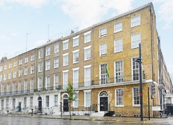 Thumbnail 2 bed flat to rent in 6Jh, London