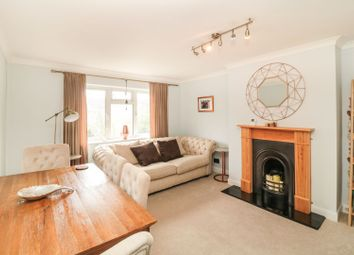 3 bed flat for sale in Mayo Close, Cheshunt EN8
