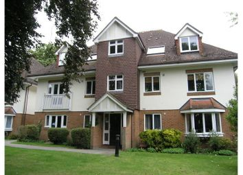 Thumbnail 1 bed flat to rent in West Hill Road, Woking, Woking