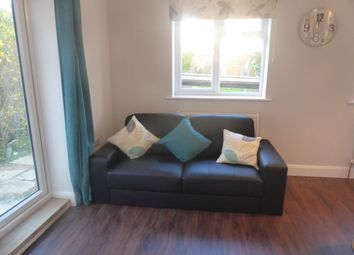 Thumbnail 1 bed town house to rent in Beckingham Road, Guildford