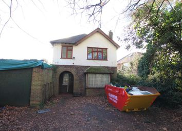 Thumbnail 3 bed detached house to rent in Kingfield Road, Woking