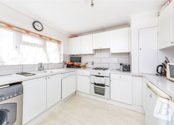 Roseberry Gardens, Upminster, Essex RM14. 4 bed maisonette