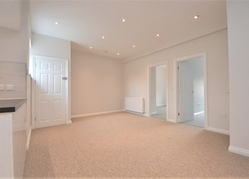 Thumbnail 2 bed flat to rent in Moorland Road, Bath