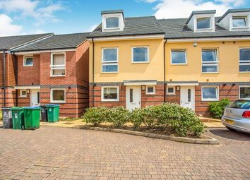 4 bed semi-detached house to rent in Raven Close, Watford WD18