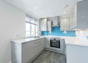Thumbnail 1 bed flat to rent in The Parade, Bourne End