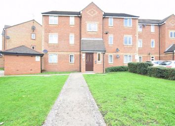 2 bed flat for sale in Danbury Crescent, South Ockendon, Essex RM15