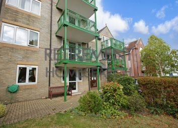 2 bed flat for sale in Parklands Court, Poole BH15