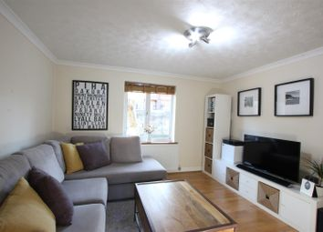Thumbnail 2 bed flat to rent in 29 Waterman Way, Wapping, London