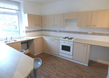 Thumbnail 1 bed flat to rent in Fox Street, Bingley