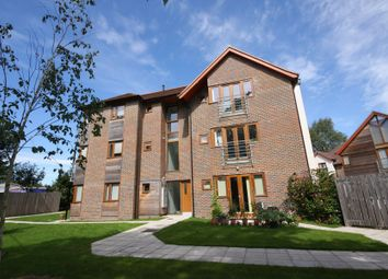 Thumbnail 2 bedroom flat to rent in Edwards Close, Kings Worthy, Winchester