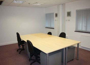 Thumbnail Serviced office to let in Chilterns Business Centre, Slough