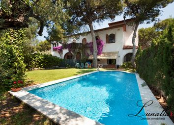 Thumbnail 10 bed chalet for sale in Parc Forestal, Castelldefels, Barcelona, Catalonia, Spain