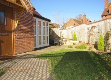 Thumbnail 2 bed bungalow to rent in Burton Road, Midway, Swadlincote