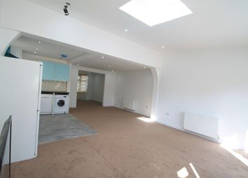 Thumbnail 4 bed property to rent in Rutland Crescent, Luton