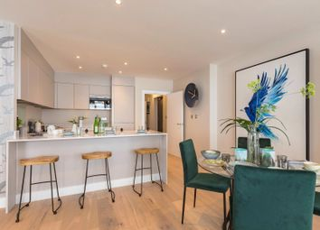 2 bed flat for sale in Blackwall Reach, London E14