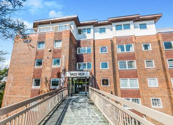 3 bed flat for sale in West View, The Drive, Hove BN3