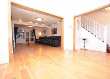 Wedlake Close, Hornchurch RM11. 4 bed end terrace house