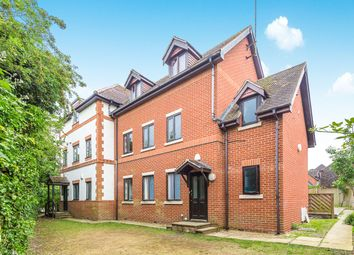 Thumbnail 1 bed flat to rent in Crossborough Gardens, Basingstoke