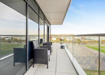Thumbnail 2 bed flat for sale in Racecourse, Newbury