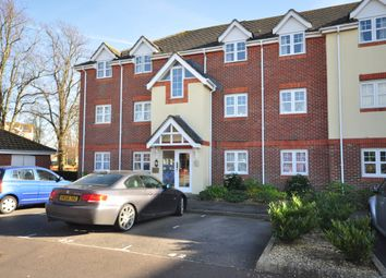 2 bed flat to rent in Bewick Gardens, Chichester PO19