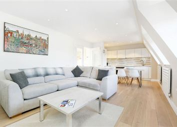 Thumbnail 1 bedroom flat for sale in New Kings Road, London