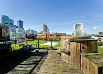 Thumbnail 2 bed flat for sale in City Road, Moorgate