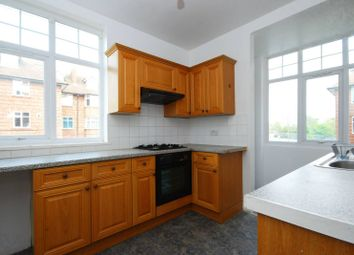 Thumbnail 2 bed flat for sale in Oakleigh Road North, Friern Barnet, London